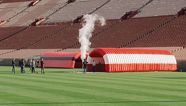 Inflatable Tunnels - Football, sports and entrance tunnels.