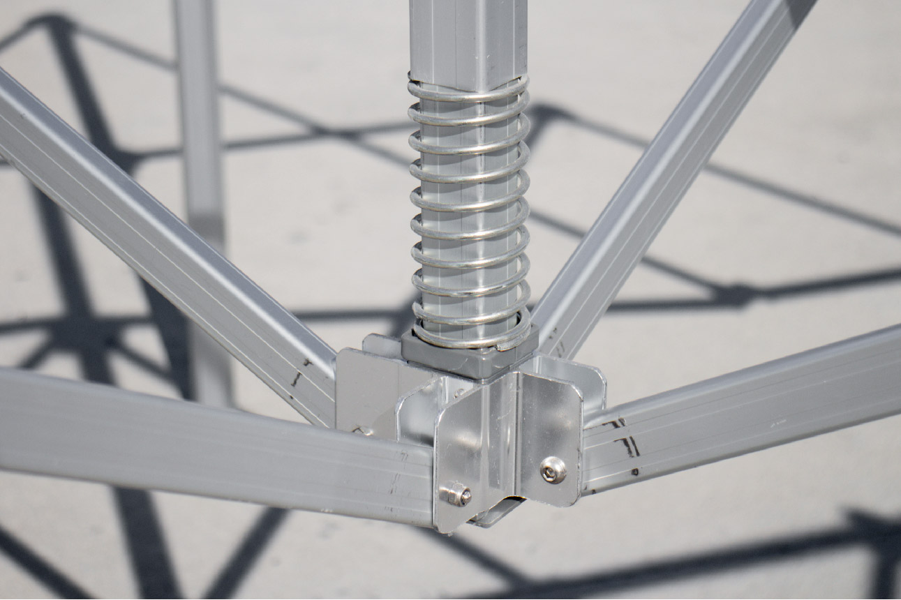gorilla max frame- metal center mast pole