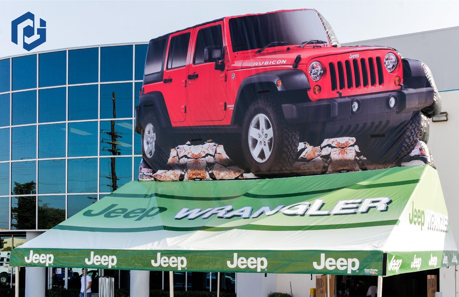red-jeep-wrangler-tent-with-inflatable-01.jpg