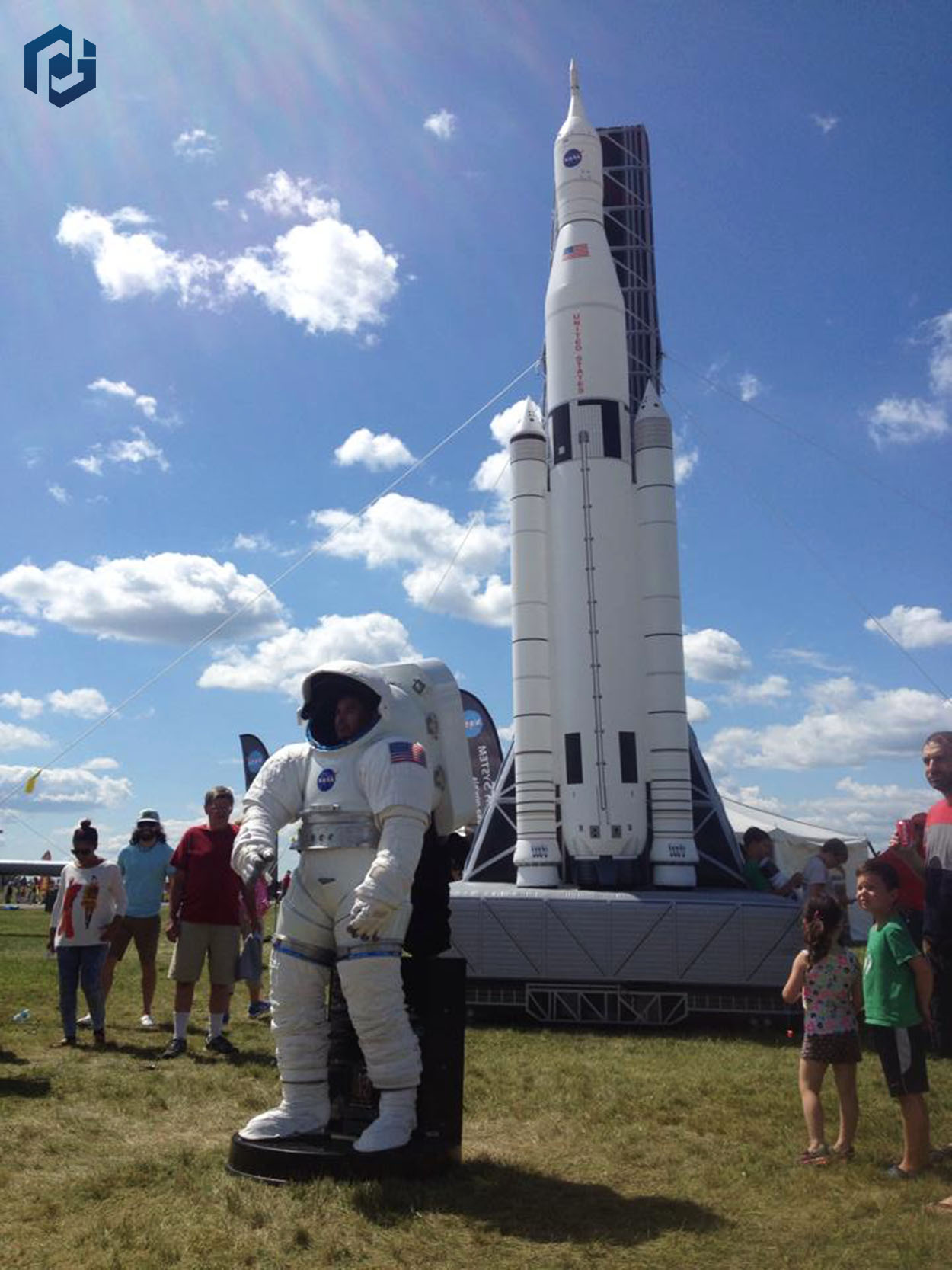 inflatable-space-shuttle-outdoors.jpg
