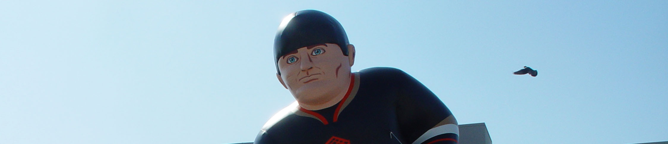 giant-inflatable-hockey-player-pigeon.jpg