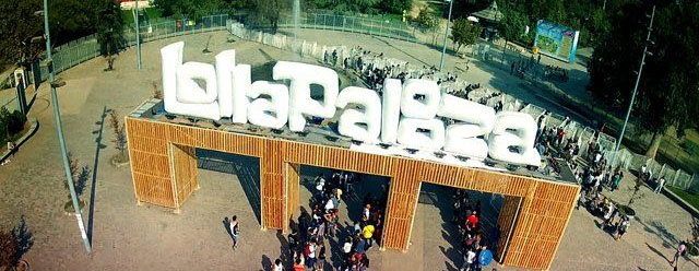 lollapalooza-inflatable-sign-background.jpg