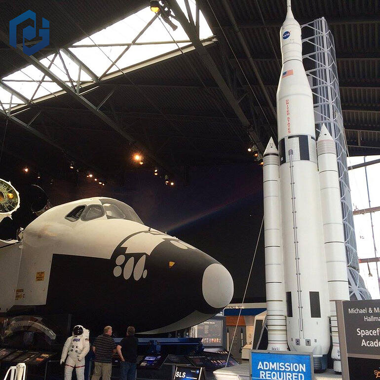 inflatable-space-shuttle-in-museum-cool.jpg