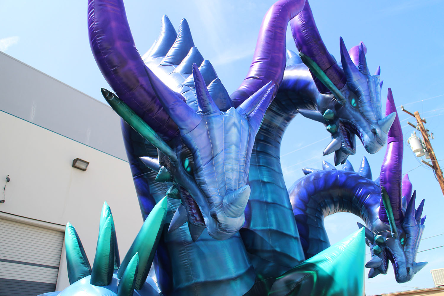 custom-inflatable-dragon-close-up