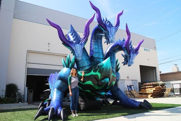 custom-inflatable-dragon