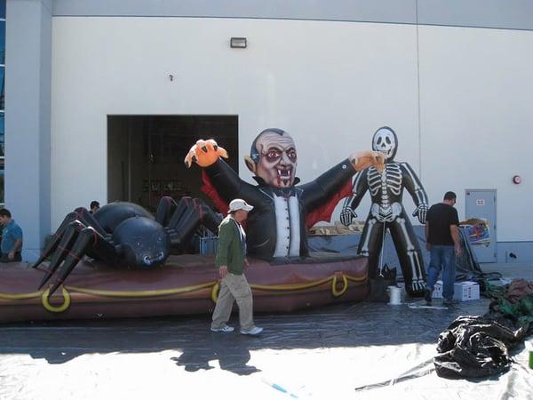 inflatable-dracula