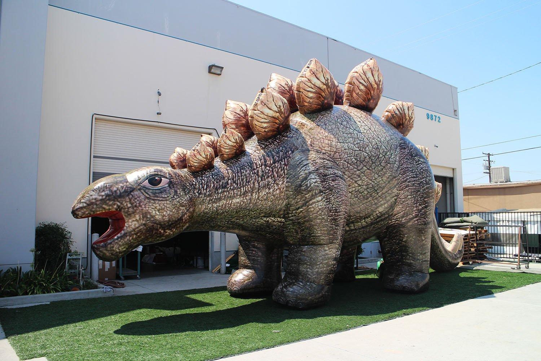 inflatable-stegosaurus-in-the-sun