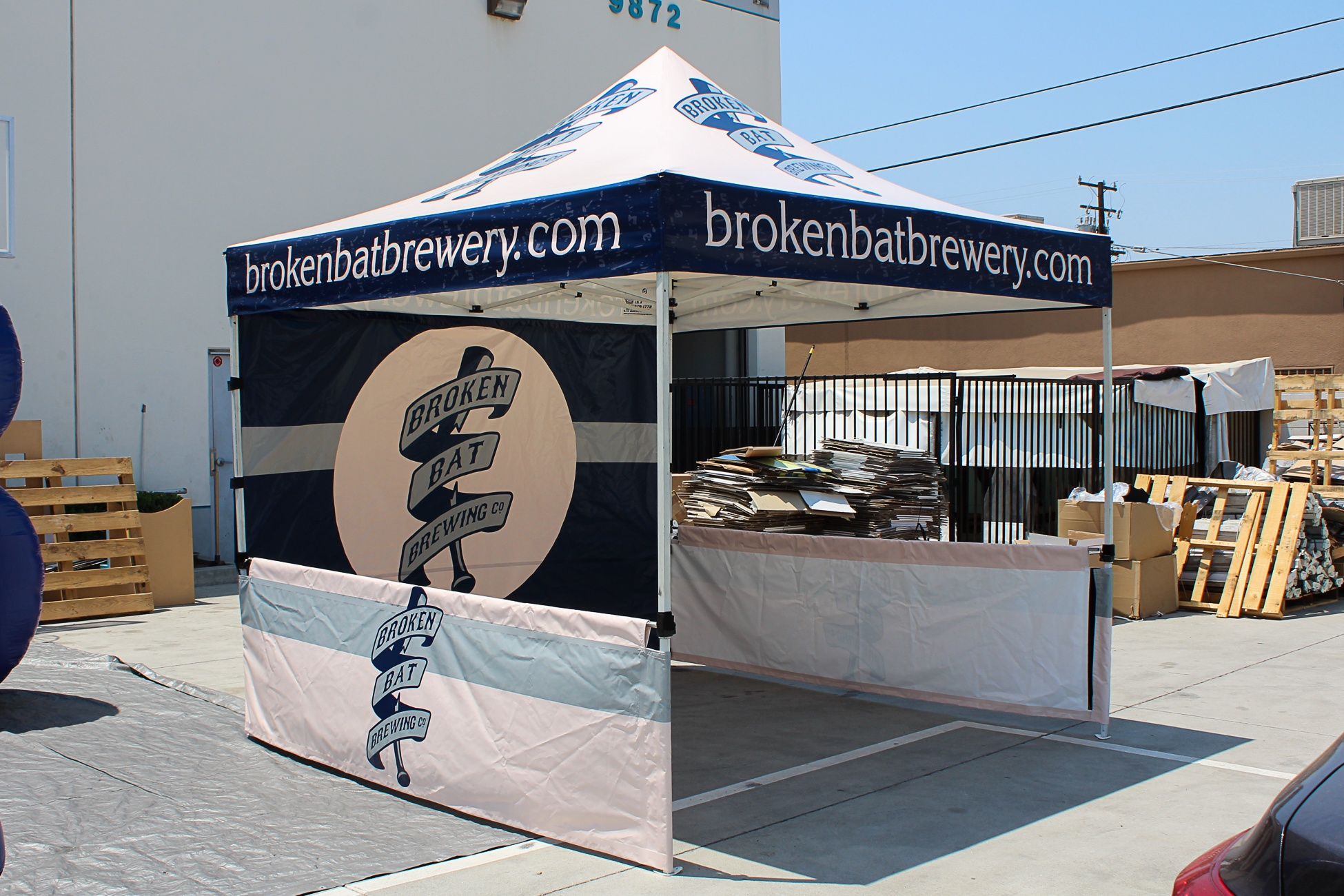 broken-bat-brewery-tent