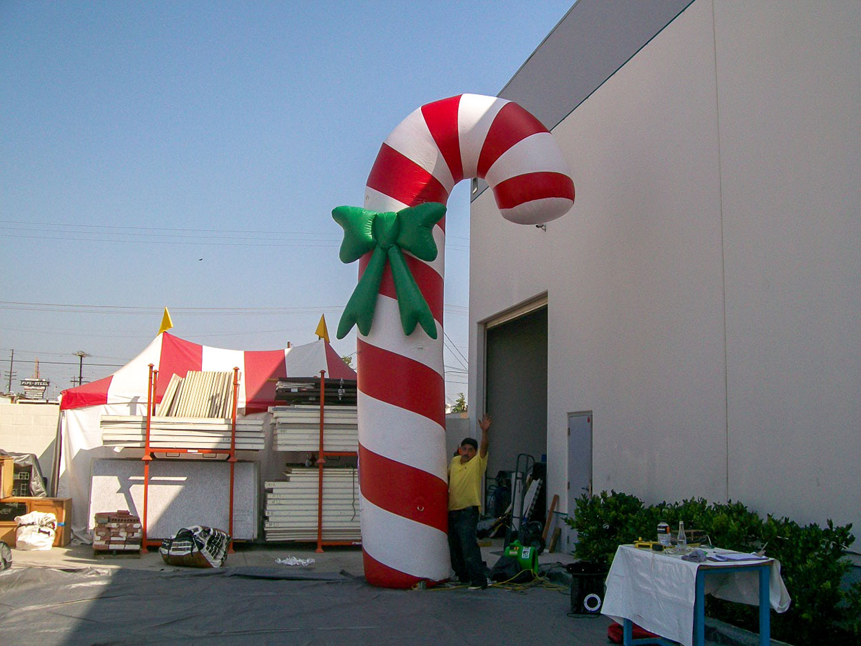 candy-cane-red-with-bow