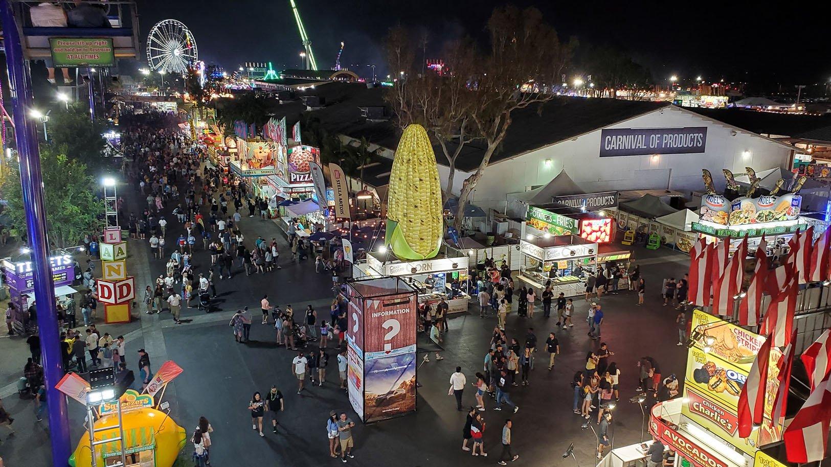 inflatable-corn-oc-fair
