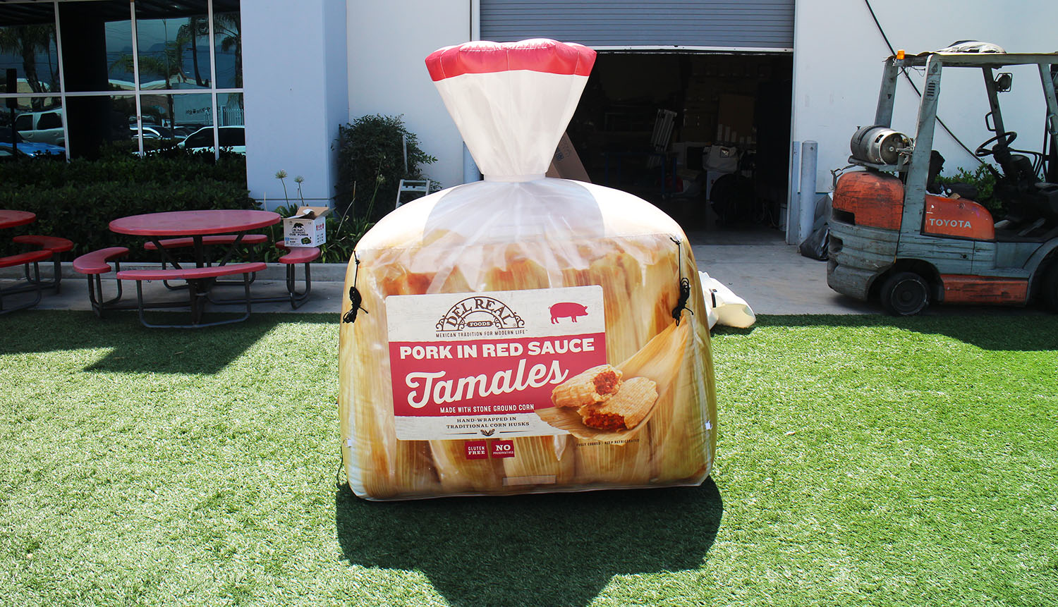 tamales-package-inflatable-replica