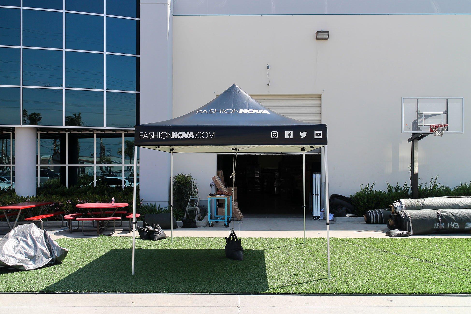 10x10-Fashion-Nova-tent