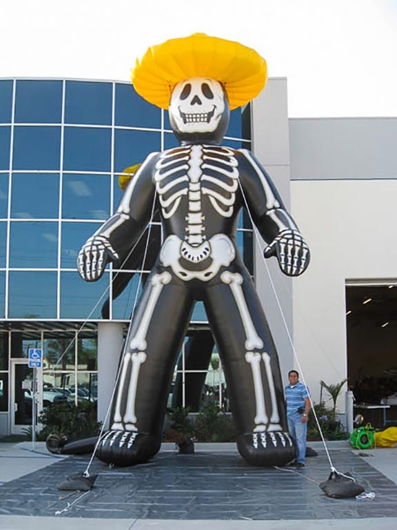 Skeleton-inflatable-with-sombrero