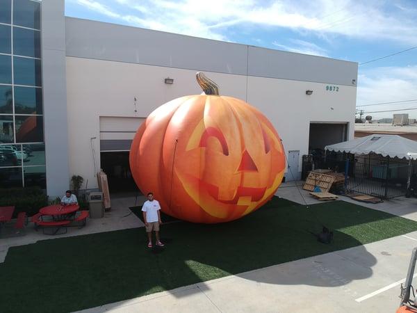 inflatable jack o lantern
