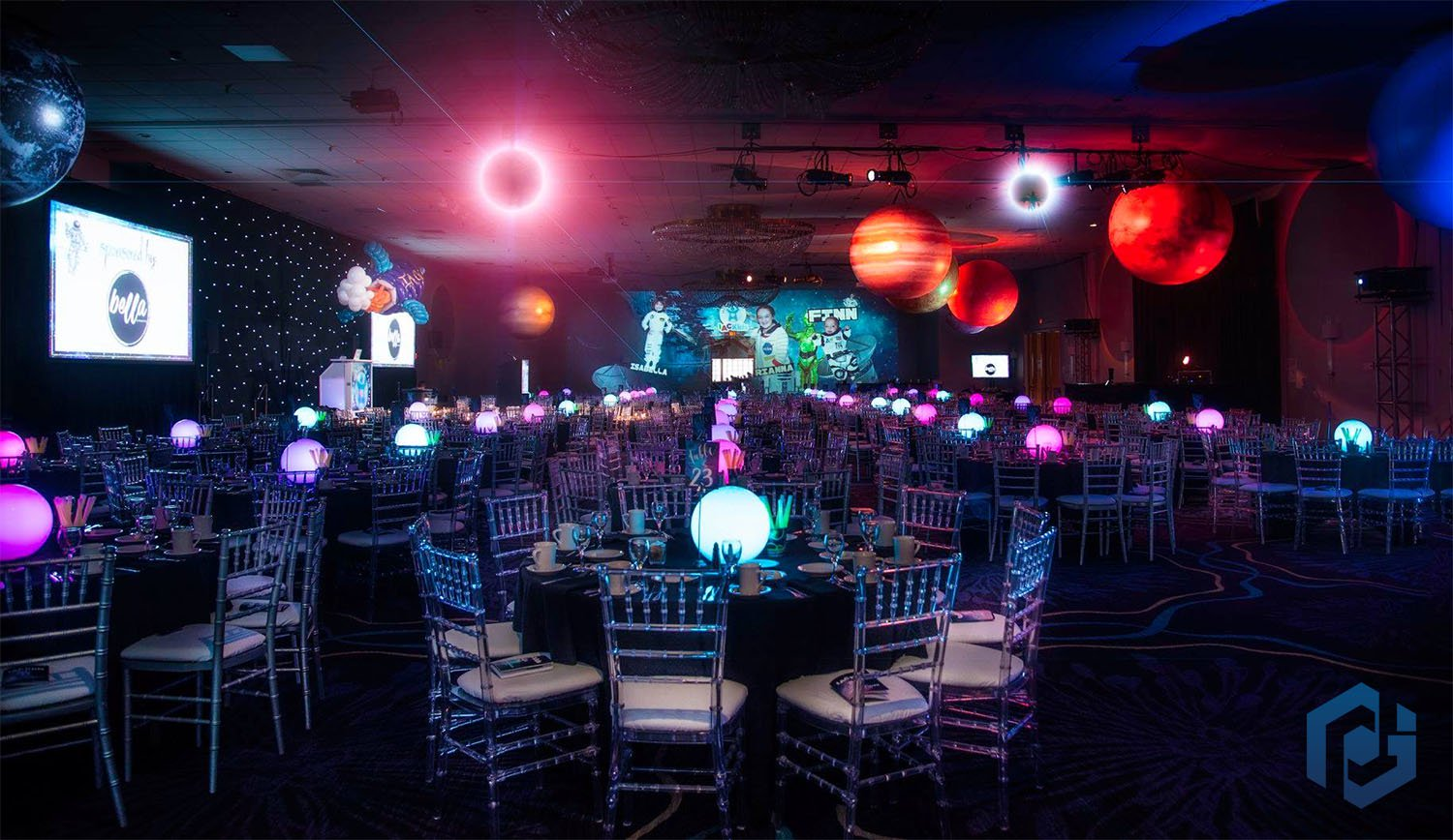 inflatable-planets-wedding-reception