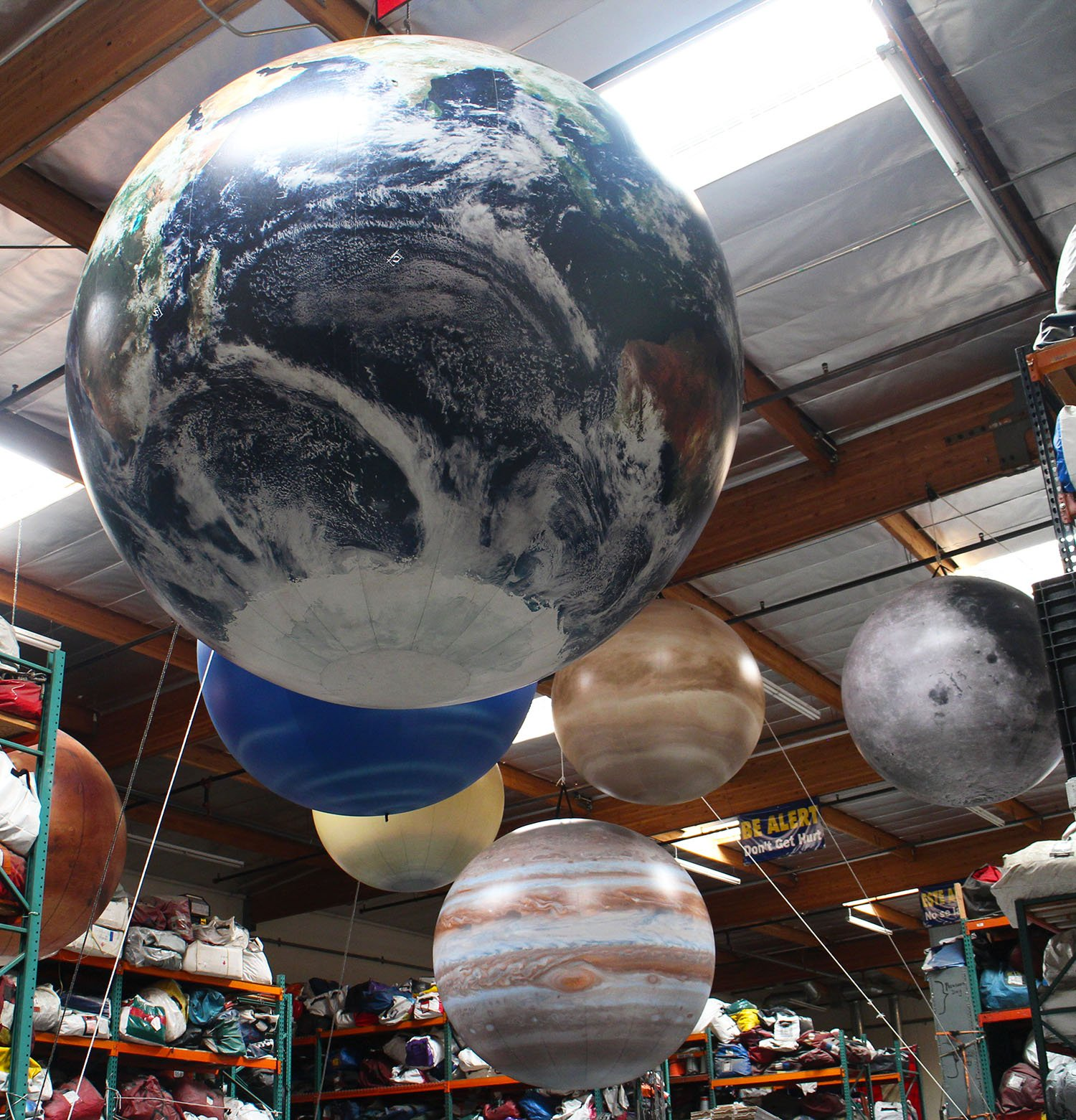 planets-earth-hanging