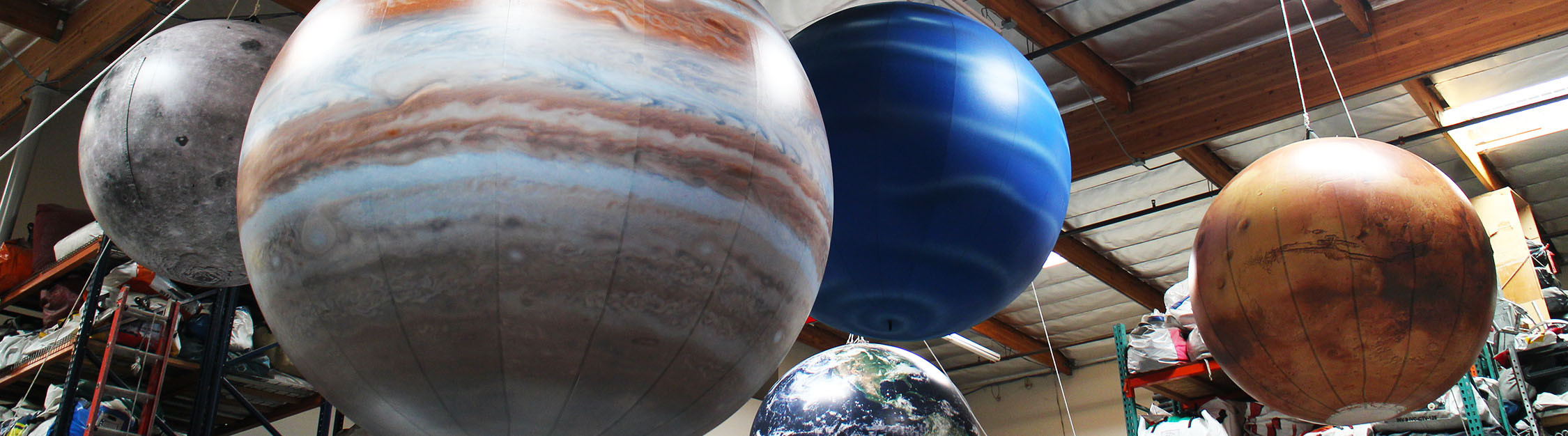 planets-hanging-inflatable