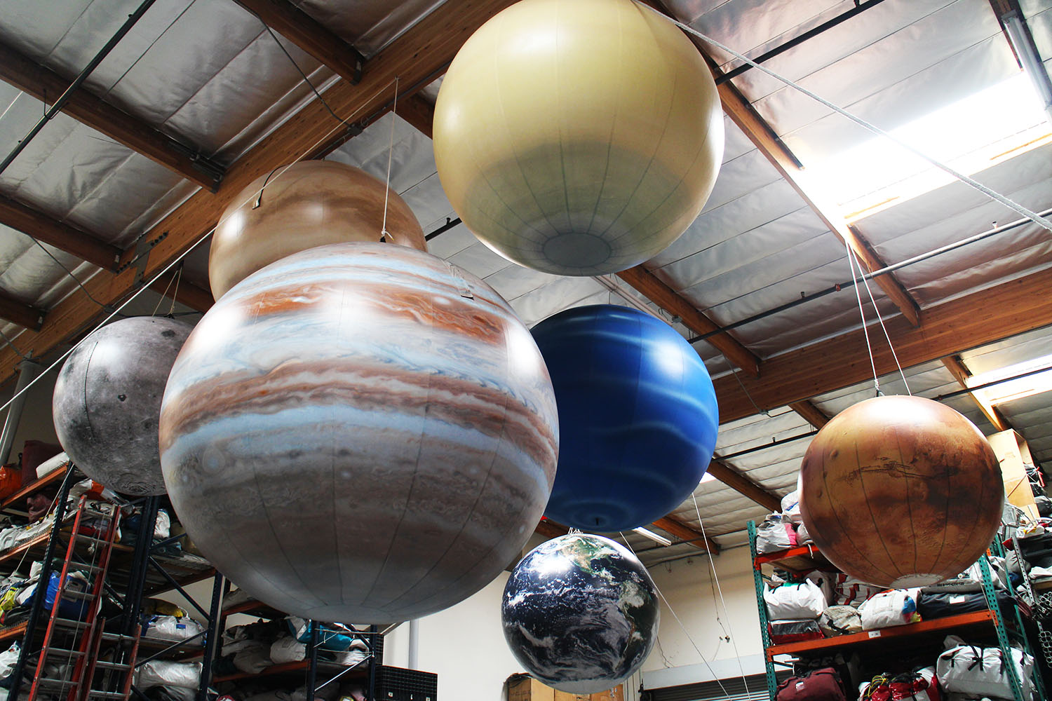 planets-inflatables-replicas
