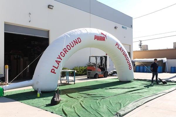 puma-playground-inflatable-arch