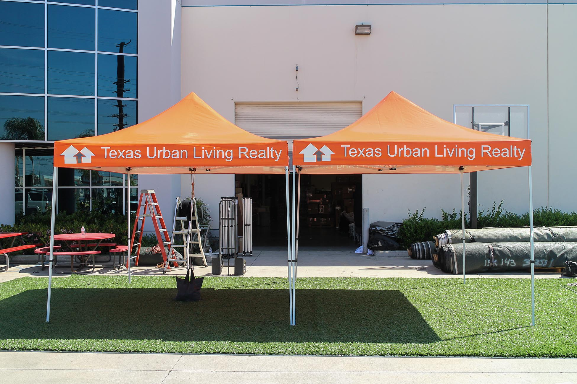 texas-urban-living-realty-10x10-canopies