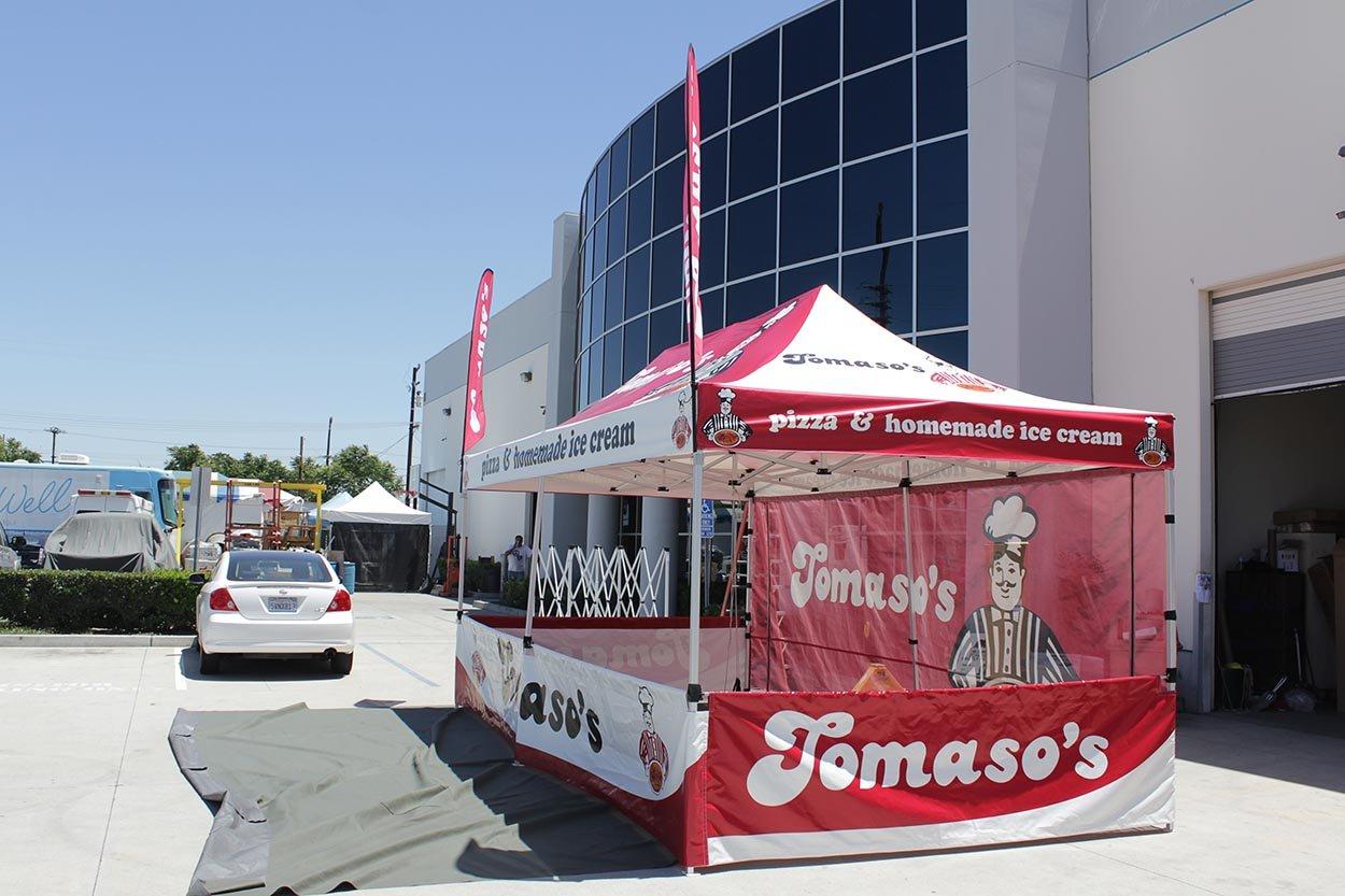 tomasos-pizza-10x15-tent