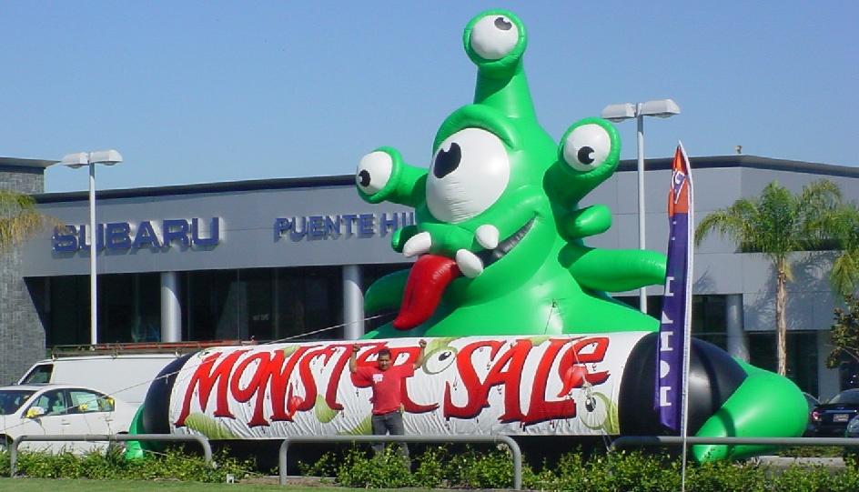 inflatable-halloween-monster-01.jpg