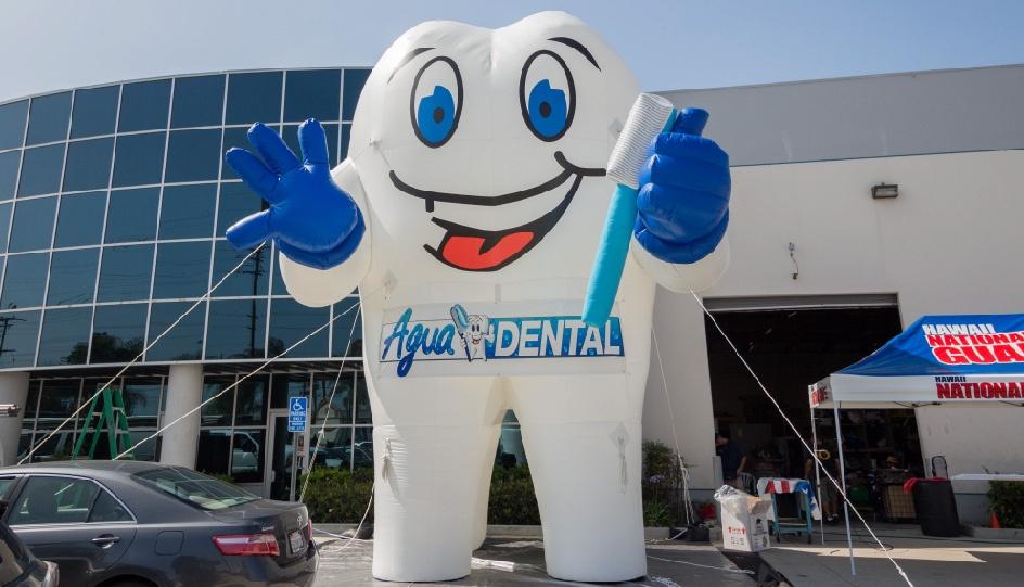 inflatable-tooth-rental-dentist-01.jpg